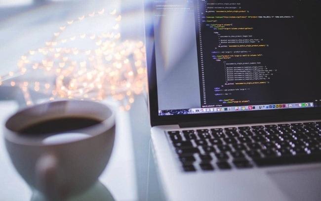 Jobwahl: Kaffee am Computer