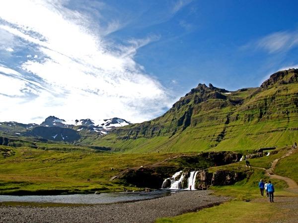 Einmaliger Blick über den Kujafoss im Snæfellsjökull National Park