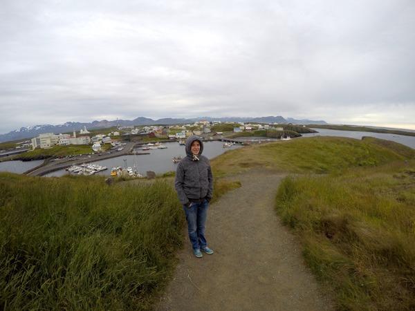 Kaltes Stykkisholmur - ich stehe im eisigen Wind vor dem Hafen