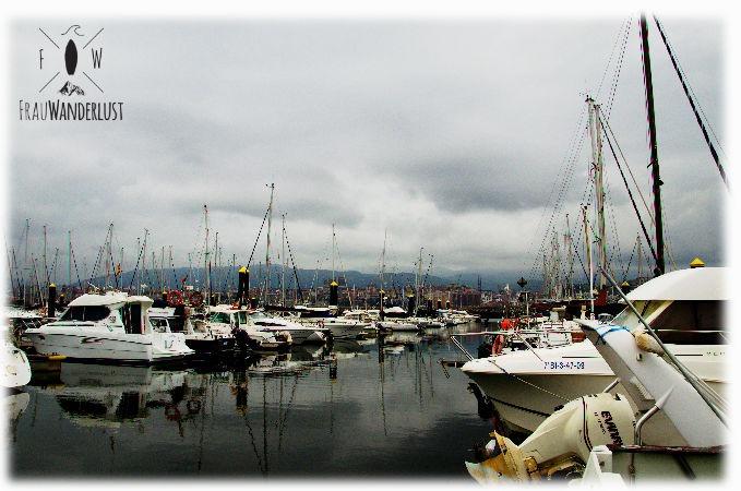 Der Sportsboot-Hafen in Getxo