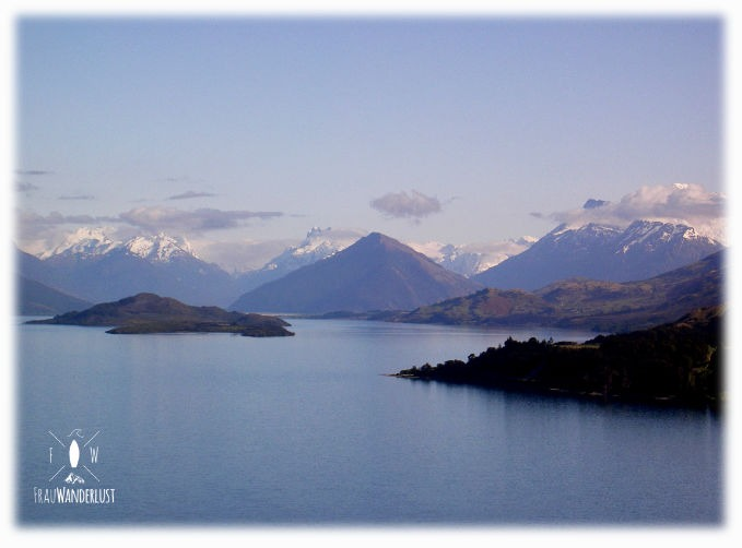 Ein Blick auf die Berge und Seen von Queenstown auf der Südinsel Neuseelands