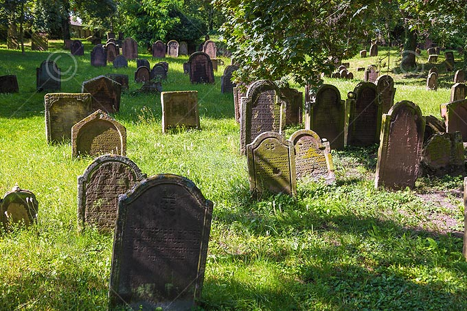 Worms, Jüdischer Friedhof Heiliger Sand, Grabsteine des 11.bis 13. Jahrhunderts