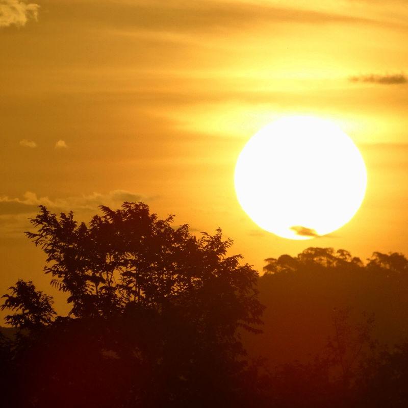 Sonnenuntergang und Farbspiel auf Weltreise