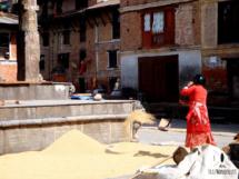 Eine Frau in Kathmandu