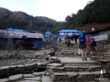 Erste Stufen auf der Annapurna Runde