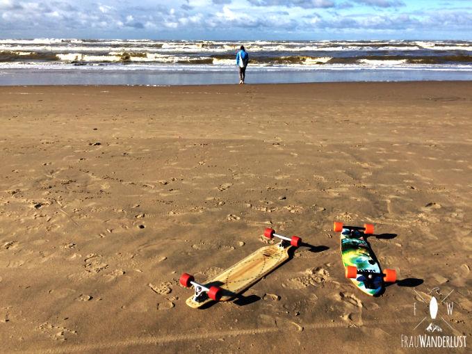 Longboards am Strand in Zandvoort