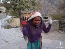 Ein Mädchen am Annapurna
