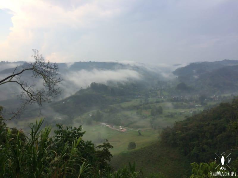 Salento; Wanderung auf der Suche nach Kaffeefincas