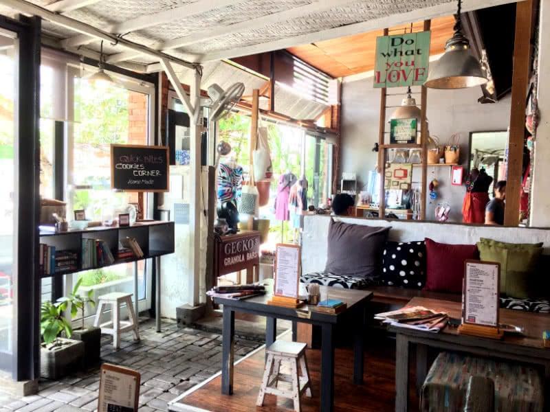 Digitalisierung der Reisewelt: schönes Café